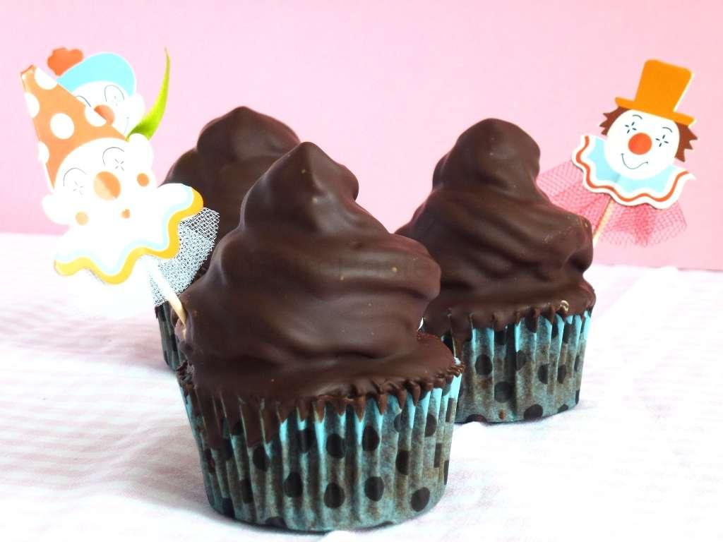 2013-05-20-13h16m26s-hi-hat-cupcakes
