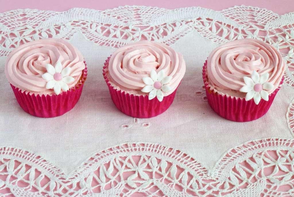 2013-05-21-14h07m05s-cupcakenubes